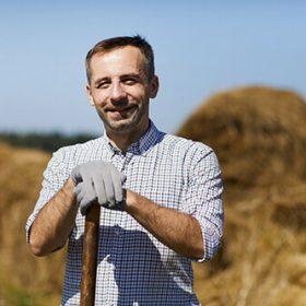 farmer-at-work-EG9TPD5-1.jpg